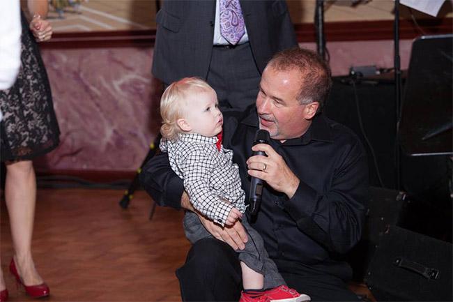 DPG-with-kid-singing